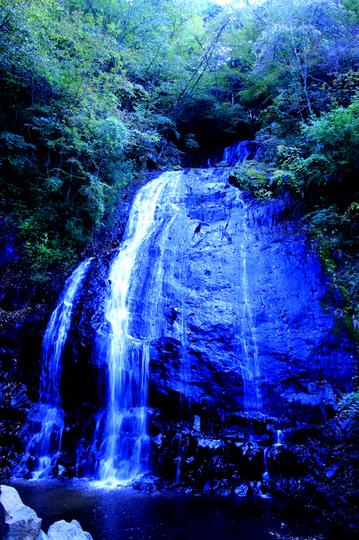 名も知らぬ滝2.jpg