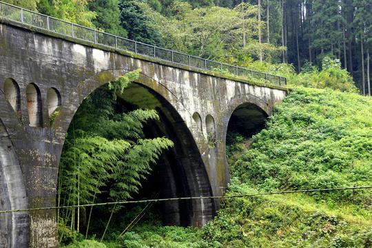 幸野川橋梁 3l.jpg