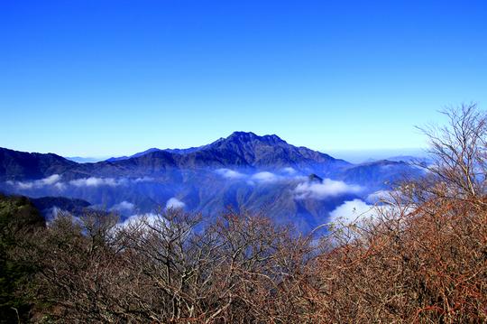 石鎚山 遠景l.jpg